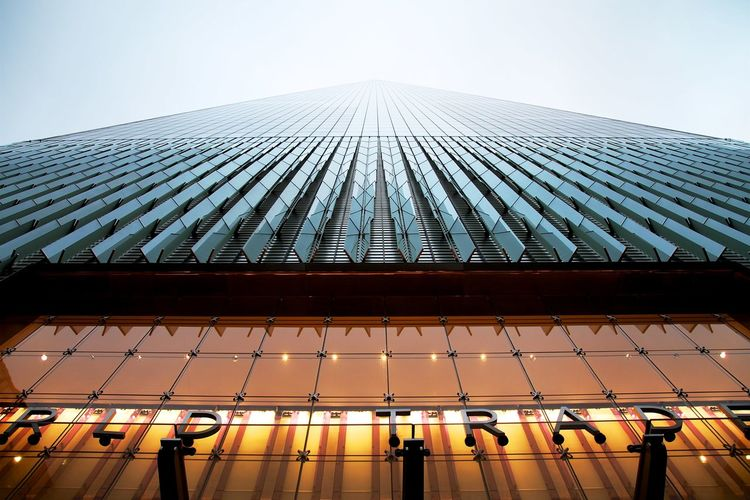 Architecture Building Exterior Built Structure City Day Financial District  Fog Futuristic Horizontal Modern New York One World Trade Center Outdoors People Roof Sky Skyscraper Skyscrapers Solar Panel Teamwork My Year My View The Graphic City