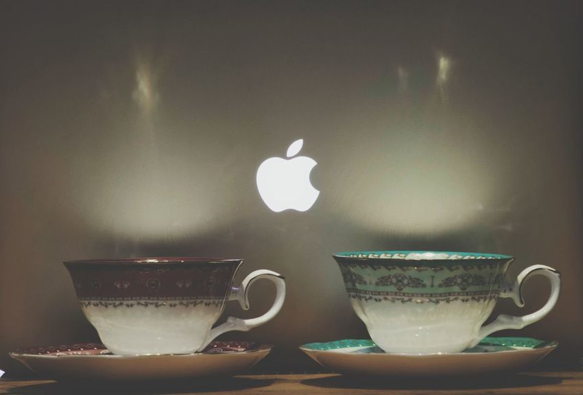 Taking Photos MacBook Apple Reflection