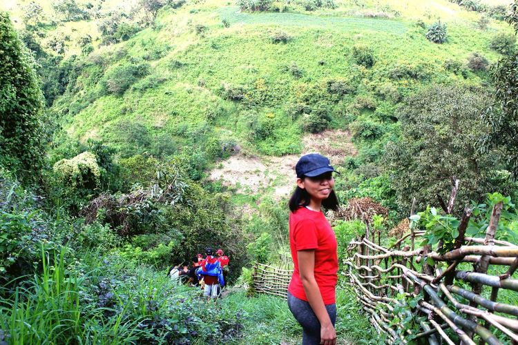 the beauty of Haduan Travel Getaways Godscreation Godsbeautifulcreation Angelwanders Hiking Hikingadventures Hikingphotography Mountain View Falls Greenery Real People Day Outdoors One Person Nature Standing Leisure Activity Green Color Lifestyles Beauty In Nature An Eye For Travel