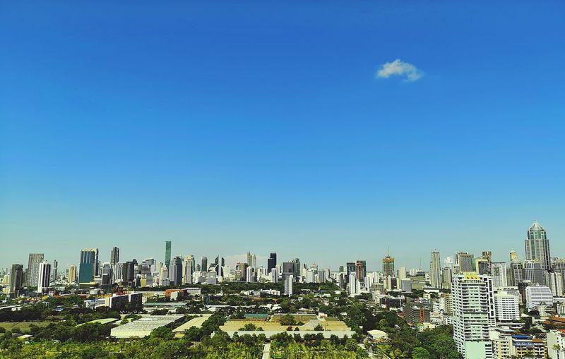 lonely cloud Sunny Day Huawei P20 Pro Cityscape Horizon Landscape One Cloud Blue Sky Skyscrapers Daytime Mobilephotography Bangkok City Cityscape Urban Skyline Skyscraper Modern Downtown District Sky Architecture Building Exterior Office Building Cloud - Sky