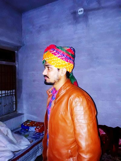 #Rajsthan#india#man#rajsthani#look#brown#beard#look multi colored one man only one person only men Shirtless Adults Only people first eyeem photo Multi Colored One Man Only One Person Only Men Shirtless Adults Only People Indoors  Real People Lifestyles Standing Day Young Adult