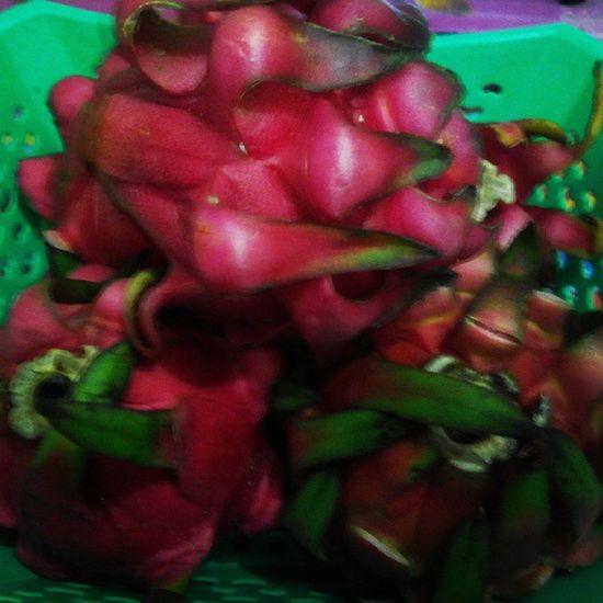 Menu makan malam Fruit Dragonfruit Buahnaga Yummy