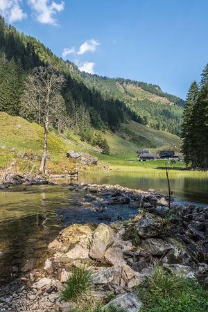 Berge Hang Keine Menschen Landschaft Licht Und Schatten Natur Schladminger Tauern Schwarzensee See Steiermark Steine Ufer Wald Wasser Österreich