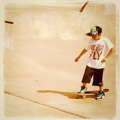 Skateboarding Skatepark Enjoying Life Hanging Out