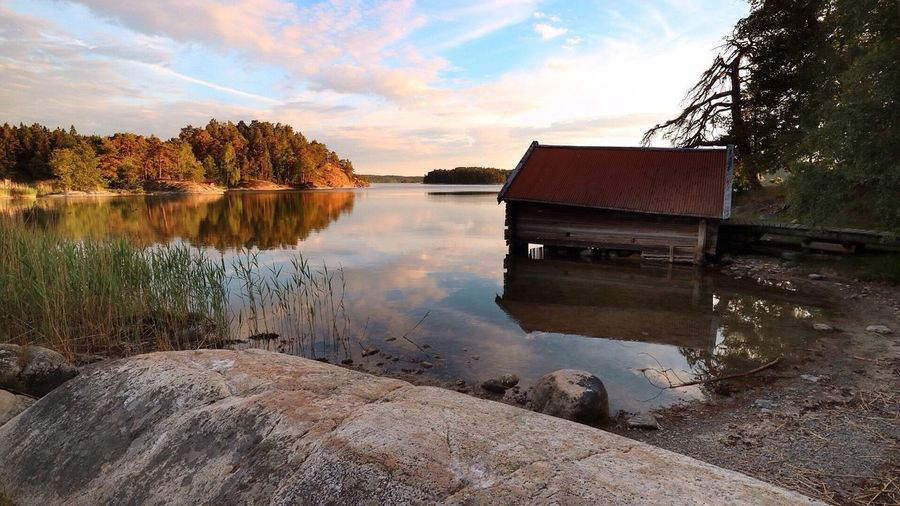 Boat house Beachphotography Strand Tyresö Seaside Dyviks Lövängar The Essence Of Summer Canon Eos M3 Nature Fresh On Eyeem  Tranquil Scene Naturelovers Sweden Tranquility Nature Photography Relaxing Landscape_Collection Nature_collection Clouds And Sky Reflection_collection