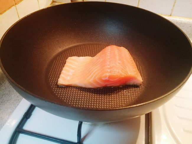 Salmon Salmonsteak SalmonLove Salmon Grill Fishoil Healthy Eating Indoors  Domestic Life No People Day