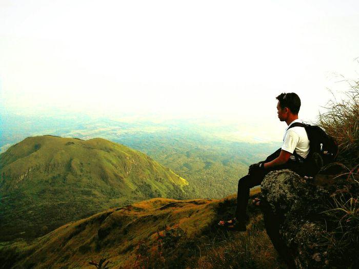Hidup akan terasa nikmat jika Mensyukuri akan segala nikmat yang engkau berikan.Living Bold Mountains Mtpenanggungan Enjoying Life Hikingadventures Mountainclimbing Amazing Nature
