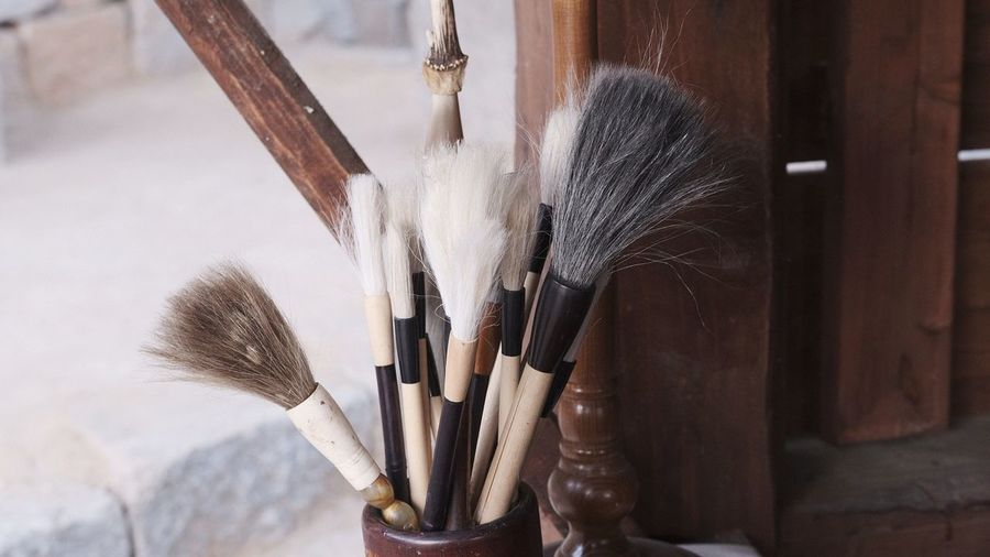 EyeEm Selects Work Tool Paintbrush Close-up Brush Stroke Palette Watercolor Paints Artist's Canvas Canvas Easel Art And Craft Equipment Oil Paint Modern Art Make-up Brush Oil Painting Fine Art Painting Art Studio Acrylic Painting Painter - Artist Broom