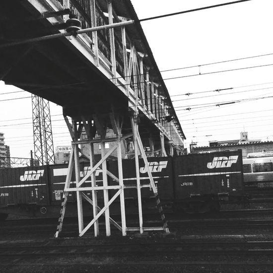 予想通り遅くなりました。明日も明後日も怪しいです。帰ります。🚃👋 Public Transportation Train Station Railway Station Go Home