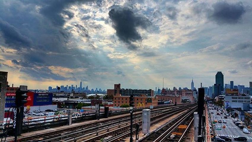 I was waiting for the 7 train to arrive so can take the picture but damn train took to long ....lol Nbc4ny Ig_nycity Nycdotgram Icapture_nyc Illgrammers Iwalkedthisstreet StreetActivity Streetdreamsmag Ig_all_americas Streetphotography Igworldclub Igglobalclub Ig_all_americas Gantrygram Drugougleb Srs_buildings Queens Vscocam Vsc Vscophile Onephotoonelife