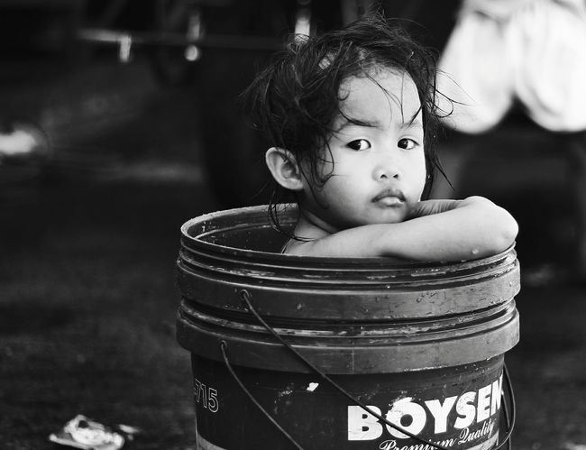B&W Portrait Streetportrait EverydayManila Capture The Moment Portrait Photography People Strangers Peopleonthestreets Black And White Childportrait