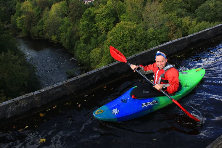 Kayaker on Pontcysyllte aqueduct Aqueduct Llangollen Canal Pontcysyllte Aqueduct Canal Canoe Kayak Leisure Activity Lifestyles Mode Of Transportation One Person Outdoors River Transportation Water