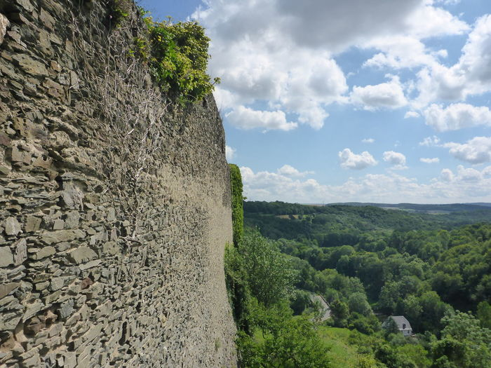 Ancient Castle Historical Building Mosel Pyrmont The Past Observer Beauty In Nature Germany History Architecture Landscape Old Outdoors Stone Wall
