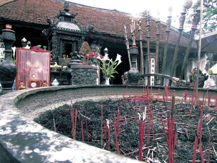 Altars Altar Vietnam Trip Traveling In Vietnam Viet Nam Photos Around You Dulich , #dulichvietnam , #dulichvongquanhvietnam , #du Lich , #dapxe , #phuotxedap Popular Photos Photoshoot Nam Dịnh
