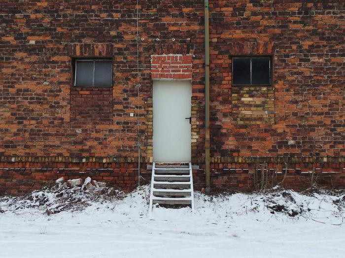 Architecture Architektur Brick Brick Wall Fenster Und Türen Schnee Snow Windows And Doors Winter Ziegelstein