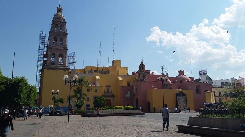 Mexico Leon Guanajuato Architecture Colors Birds Building Exterior Renovation Construction Church Catolic People Cloud - Sky