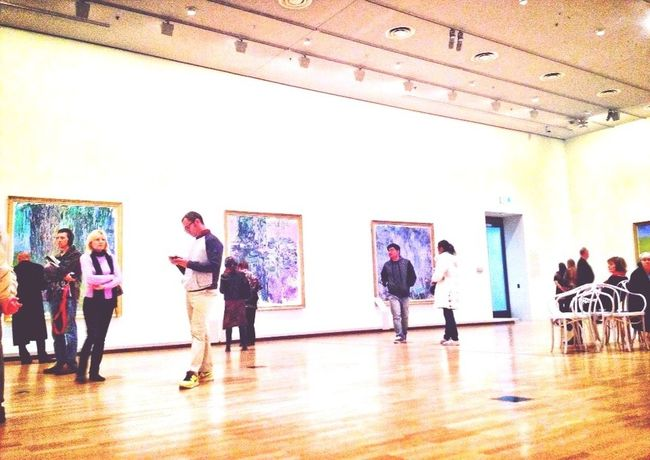 Sneaky Monet exhibition photo Shootfromthehip