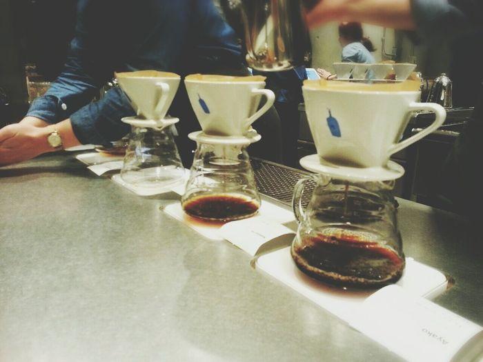Drinking A Latte Relaxing Coffee Coffee Break Taking Photos Tokyo Performance