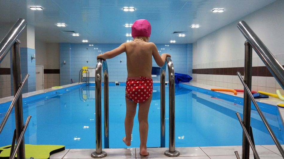 дети обучение бассейн плавание обучение плаванию Swimming Swim First Eyeem Photo