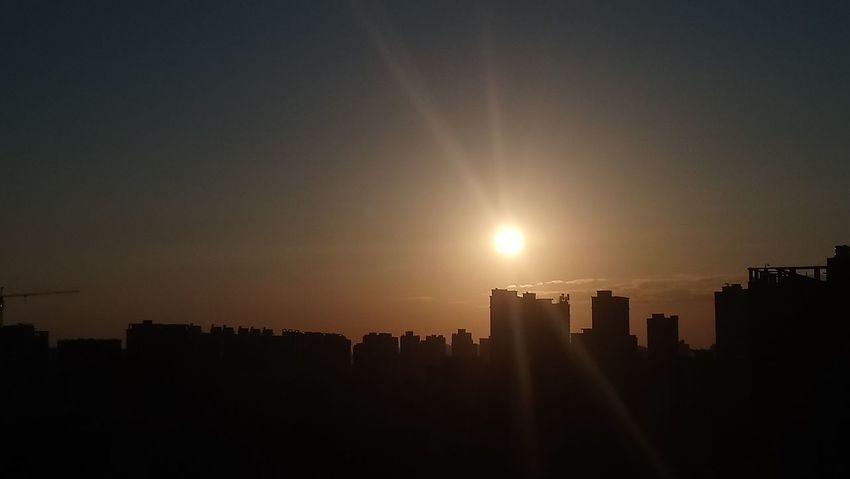 Sunrise here in Changsha China.😊07/2018 Sky Morning Sunrise Mobilephotography #daylight Riseandshine #Nature