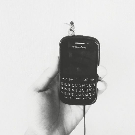 Broken earphone + Blackberry device is not a good pair at all 😁 Blackberry Vscocam Vscobeau Vscocamph