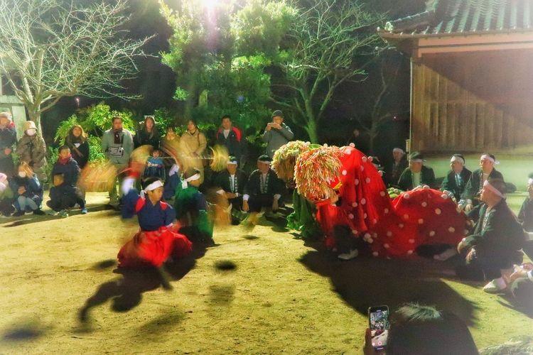 Naturelovers Events Japanese Doll Japanese  子供 Night Japan Photography 祭り 写真好きな人と繋がりたい ファインダー越しの私の世界 EyeEm Gallery 初詣 大晦日 日本 佐賀 EyeEmNewHere EyeEm Best Shots G7X MarkⅡ 獅子舞 神事 神社 神社仏閣 Indoors  Nature Real People Close-up