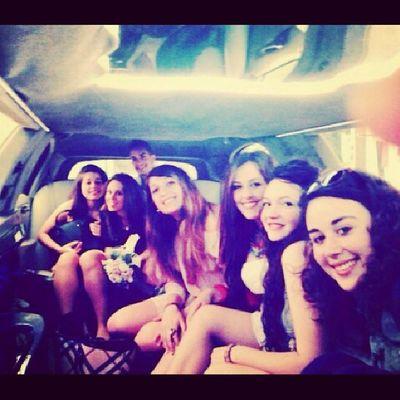 Daje tutti in limousine appassionatamente ♥ +18 Ale! Photooftheday Picoftheday Instagramphoto Tagsforlike likeforlike instagood instamood beautiful night big party saturday night like4like limousine followme instagram instadaily love friends
