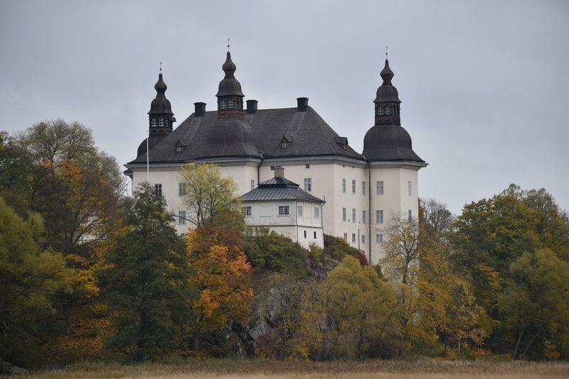 Ekenäs castle, Östergötland, Sweden Ekenäs Slott Ekenäs Castle Ekenäs Östergötland Sweden Sverige Architecture History Historic Renaissence Visit Sweden Tourism Autumn View