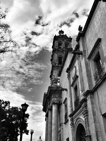 Urban Photography Blackandwhite iglesia de san francisco...no tome muchas fotos por el tiempo pero ahora salgo para aguascalientes