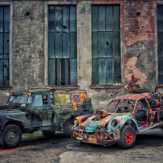 #auto#welt#ende#<3 #auto  #PKW #cars EyeEm Selects Transportation Architecture Built Structure Day Building Exterior Land Vehicle Mode Of Transport Outdoors No People