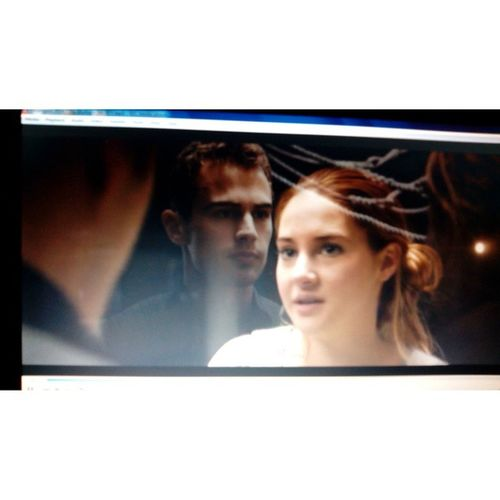 NW: Divergent :) Again and again ? Dauntless Divergent Four