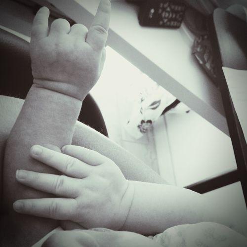 Baby Baby Hands  Hands Mani Corna Rock Babyrock Gesti