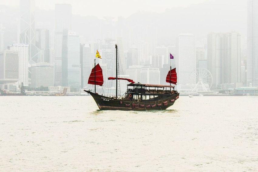 Гонконг лодка городской пейзаж вода Causewaybay  HongKong Boat Skycraper Without Sun First Eyeem Photo