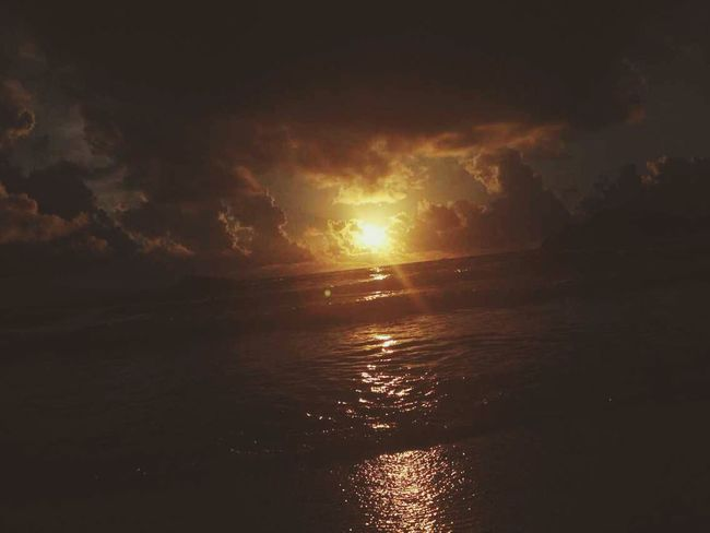 Sea And Sky Sea Side Taking Photos Enjoy Life sunrise~♡