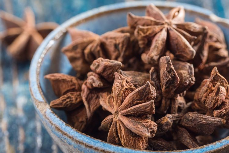 Star Anise Isolated Pottery Blue Bowl Whole Seasoning Spice Spice Dried Food Star Anise Food And Drink Anise Food Ingredient No People