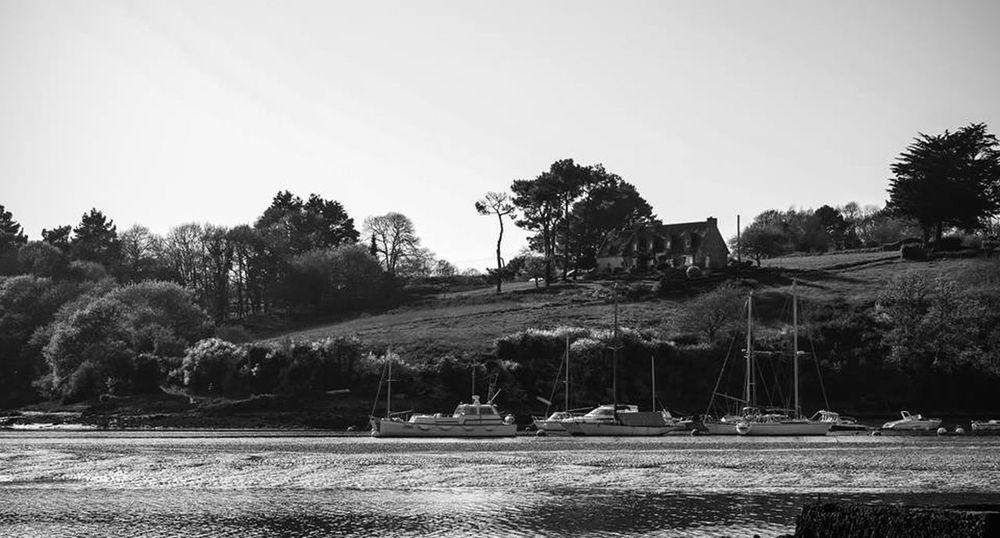 Blackandwhite Boats Beautiful Nature France Landscape Bretagne Traveling Trip Relaxing Sunset #sun #clouds #skylovers #sky #nature #beautifulinnature #naturalbeauty #photography #landscape