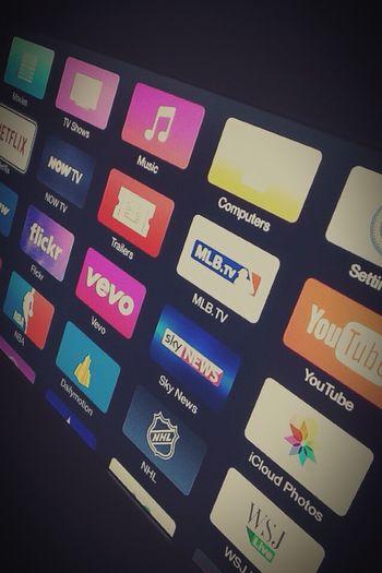 Apple . TV