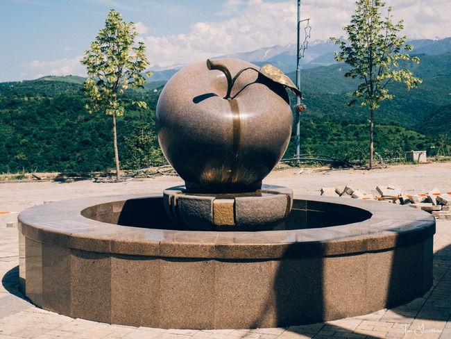 EyeEm Selects памятник яблоко