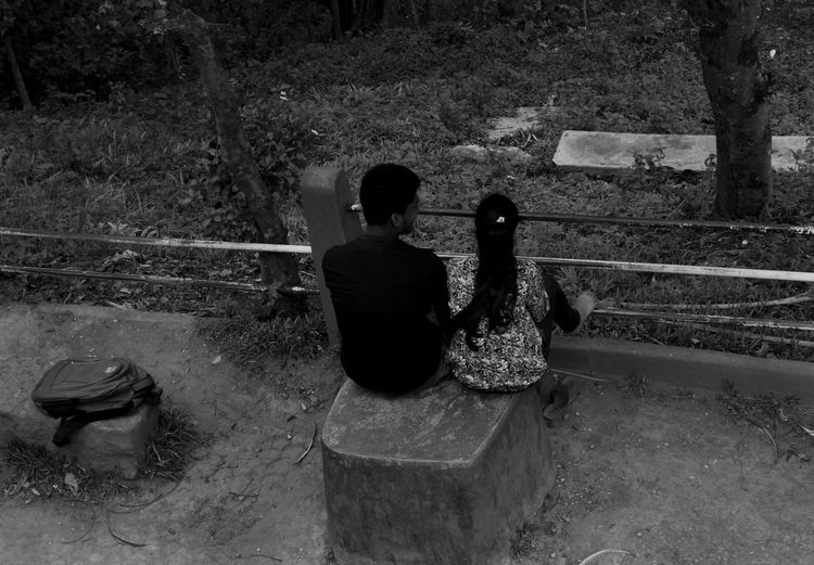 Black And White Black And White Photography Blackandwhite Couple Couples Enjoying Afternoon Eye Em Best Shots Eye For Photography Eye4photography  EyeEm Best Shots EyeEm Gallery Frame Frame It! Happy People India Love Love In Air Monochromatic Monochrome Monochrome _ Collection Outdoor Photography Outdoors Park Time You And Me