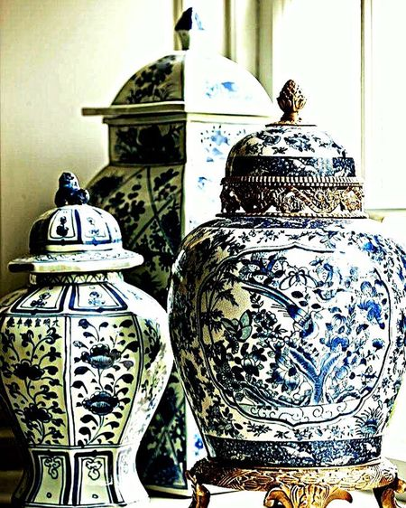 Art And Craft No People Pattern Pottery Cultures Close-up Indoors  Anfora Porcelaine Pieces Design Interior Decorative Vintage Style Traditional Chinese Creativity Salonstyle 💙