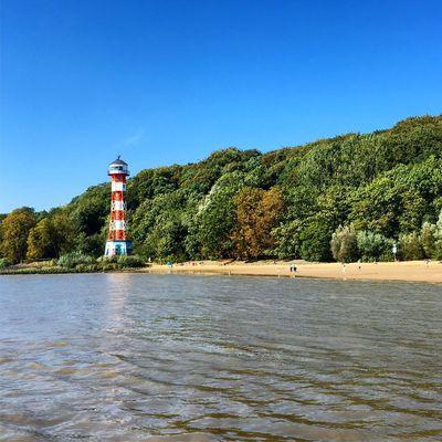 Blue Sky Elbe Hamburg Falkensteiner Ufer Sealight Leuchtturm Germany Exploring