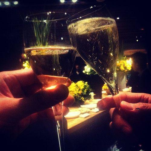 ヒルズでパーティー♥︎ シャンパン飲み過ぎて久々に酔っ払ってるw テラスハウスの人沢山いたなぁ 六本木 六本木ヒルズ レセパーティー シャンパン パーティー700人 やっぱりパーティーは楽しい♥︎