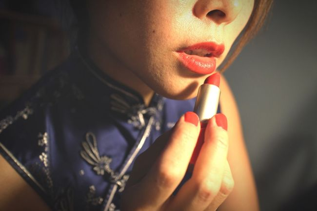 The Portraitist - 2016 EyeEm Awards Me, Myself And I Me, My Camera And I My Blue Obsession Red Lips and Nails Qipao Narcissistic Tendencies Lasian Makeup Women Around The World Visual Creativity