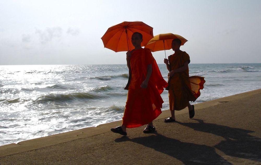 Horizon Over Water Idyllic Orange Color Scenics Sea Sri Lanka Tranquil Scene Travel Destinations These Shoes  Keep Walking Color Of Life Colour Of Life Color Of Life!