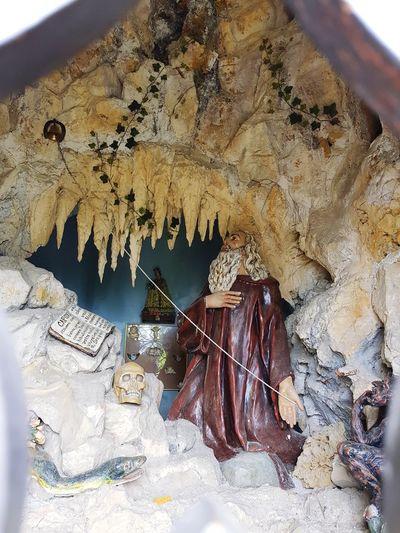 Sant 'Antonio abbandonato Statue Saint Small Church Mountain Sanctuary Close-up