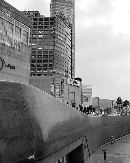 Dongdaemun Dongdaemun Design Plaza DDP Zaha Hadid Architecture Seoul Architecture Tripwithson2017 Tripwithsonmay2017 Seoul South Korea Bnwphotography Bnwseoul