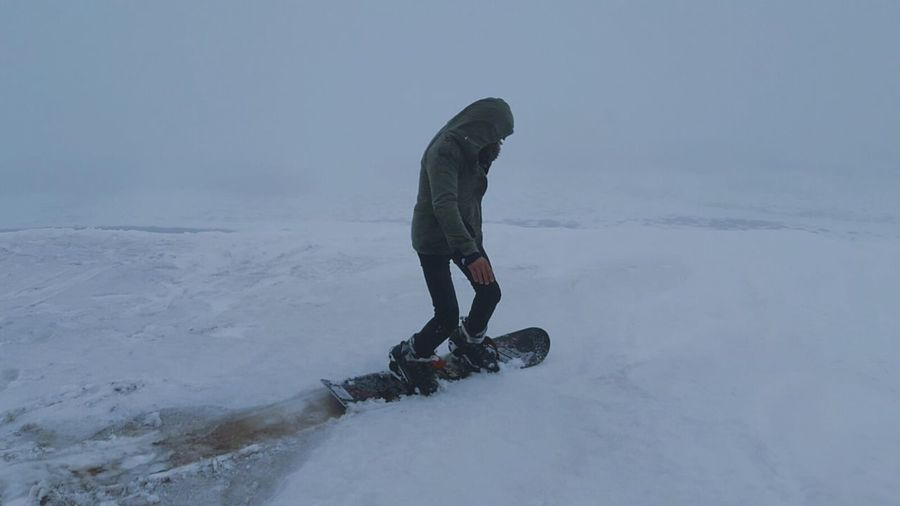 Snoboarding Sky Neige Winter One Person Snow One Man Only Cold Temperature Sport Adventure Only Men