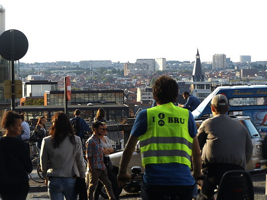 I bike/walk through Bru(ssels).Togerherness Urban Skyline Sky People Travel Destinations Visitbrussels Streetphotography City Cityscape Crowd Day Bikeride Outdoors Roof Togetherness Street Panorama Dream Vision Gathering Bicycle