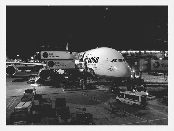 Und weiter gehts. Airbus A380 Airport Frankfurt