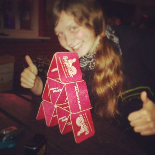 She did it ^^ Kartenhaus Bierdeckel Grieche Olympiagrill boizenburg